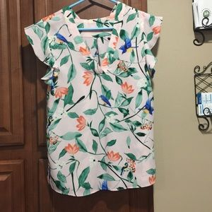 Tops - Unknown brand top. Pink with bird design